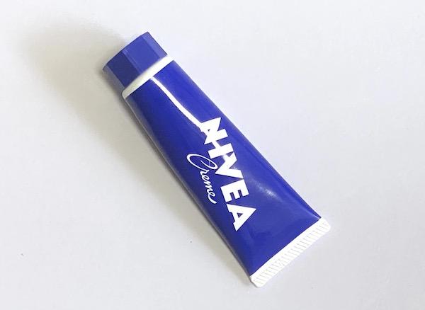 ニベアの青缶が万能すぎる!30代メンズの乾燥肌スキンケアアイテム