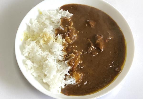 吉田ハムのレトルト「飛騨牛ビーフカレー」を食べた感想!値段に見合ううまさ!